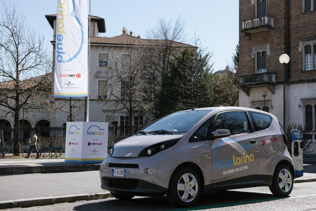 Car sharing elettrico Bluetorino
