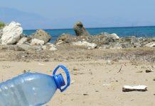 beach littering