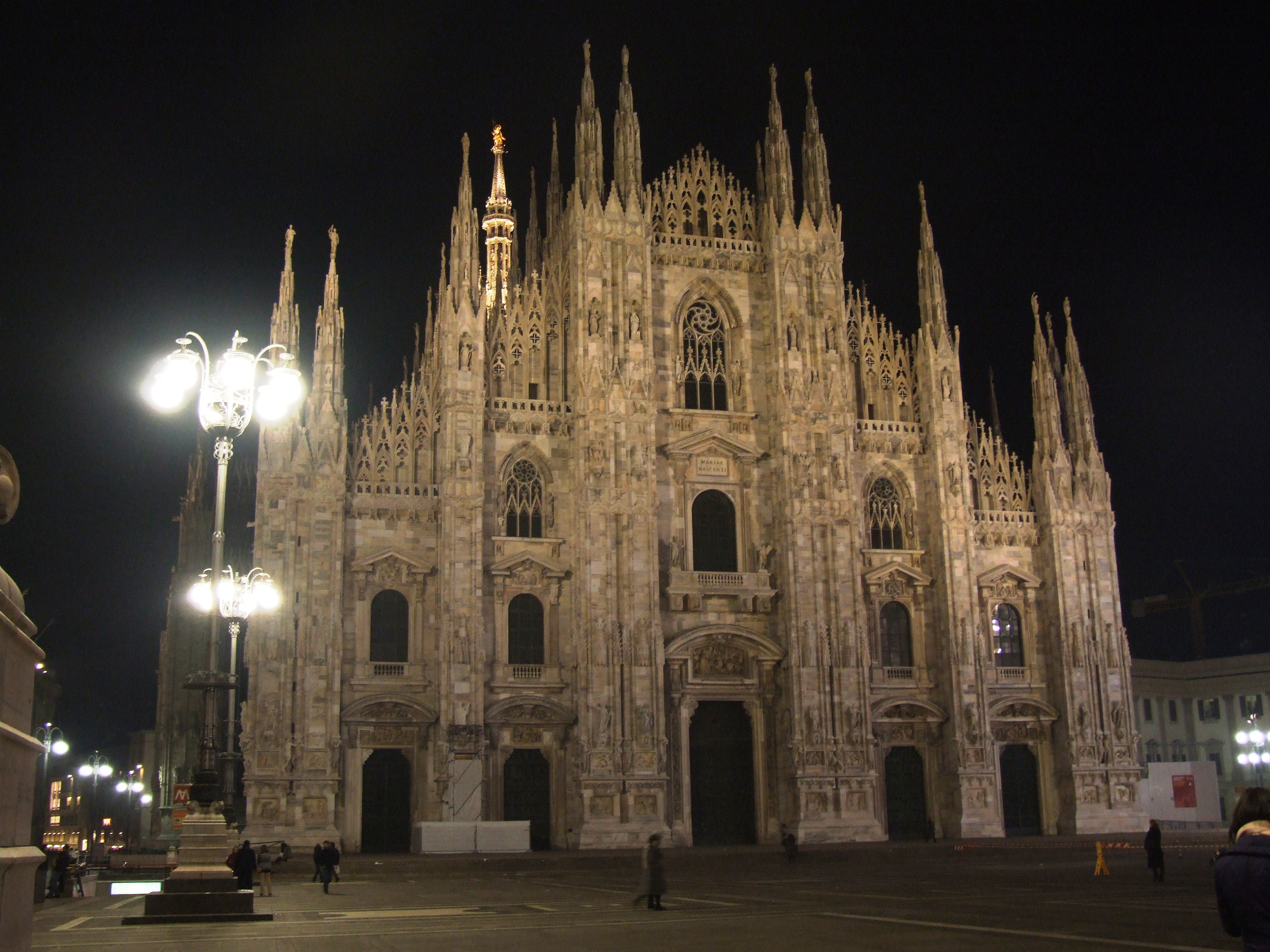 Illuminazione per esterni milano lampade da esterno luce di sera