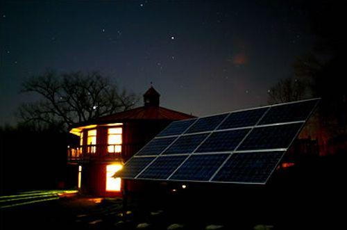 Energie rinnovabili, il fotovoltaico ora produce anche di notte