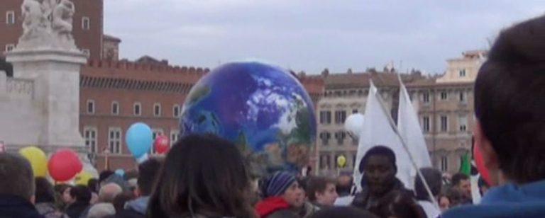 La Terra marcia per la Terra