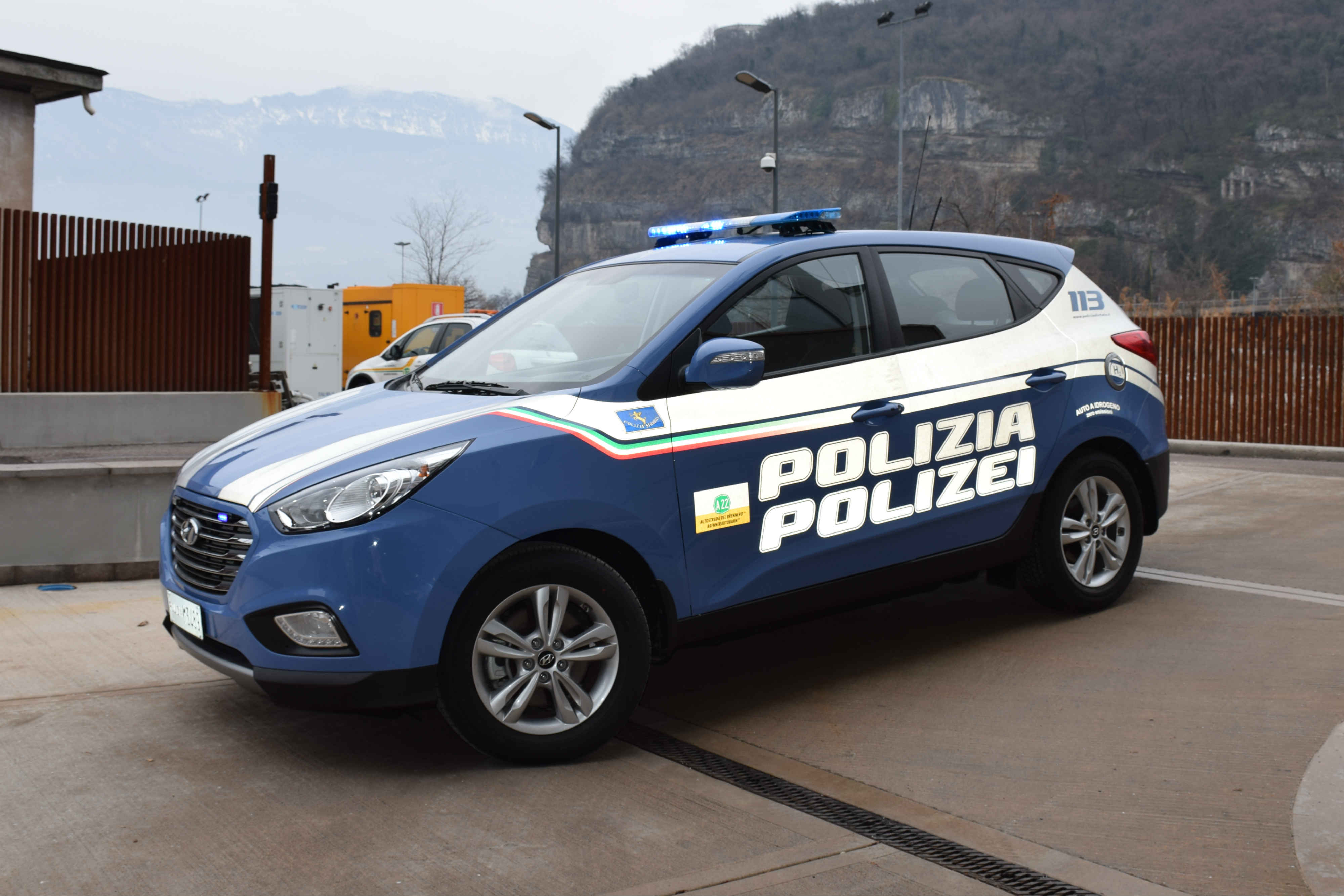 Hundai Ix35 Fuel Cell Polizia Stradale Trentino Alto Adige 1