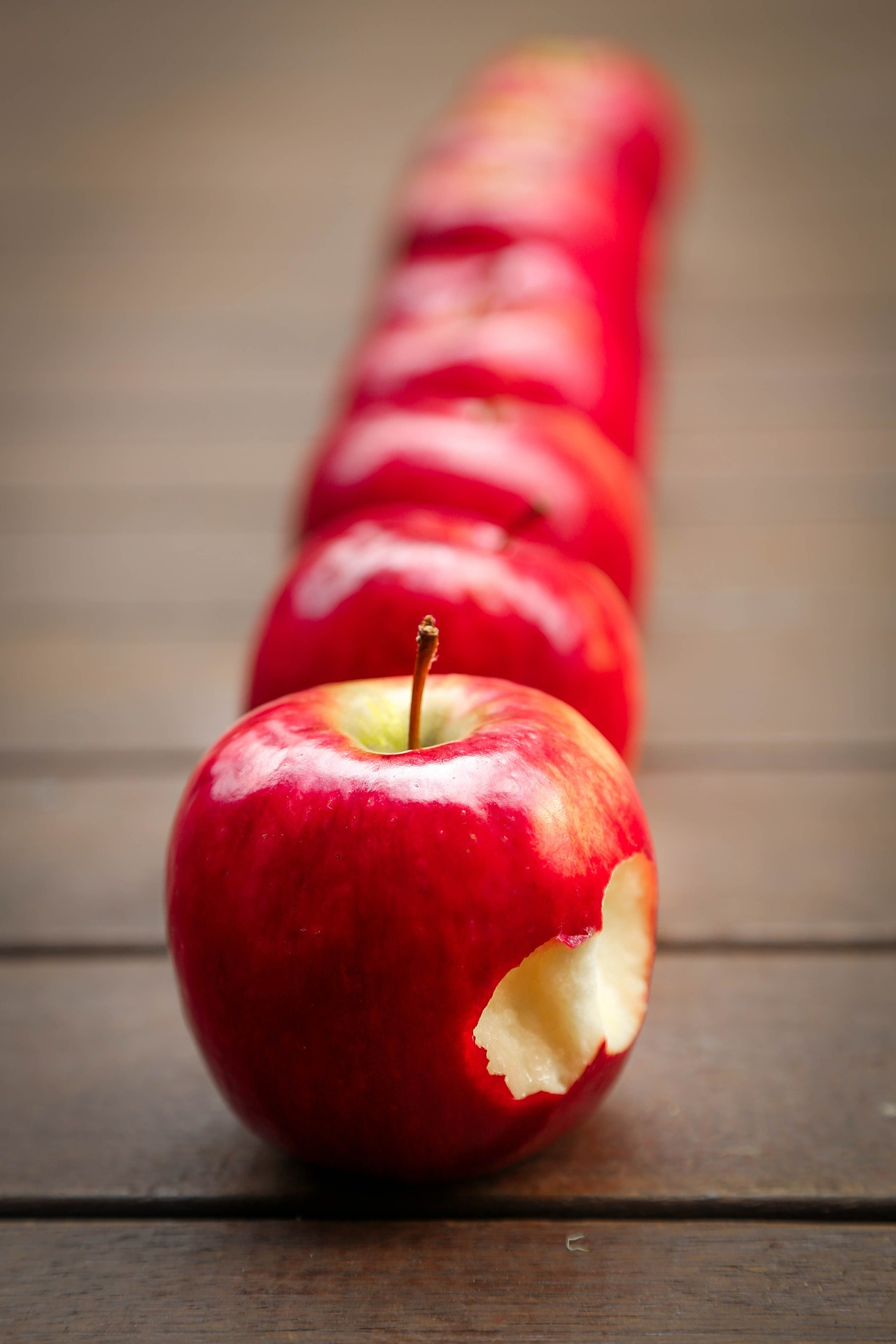 Apples 634572 1920
