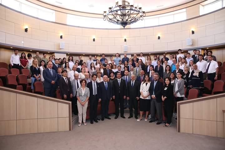 Baku, Azerbaijan, General opening. GLi studenti, il corpo docente e l'ambasciatore italiano a Baku Augusto Massari