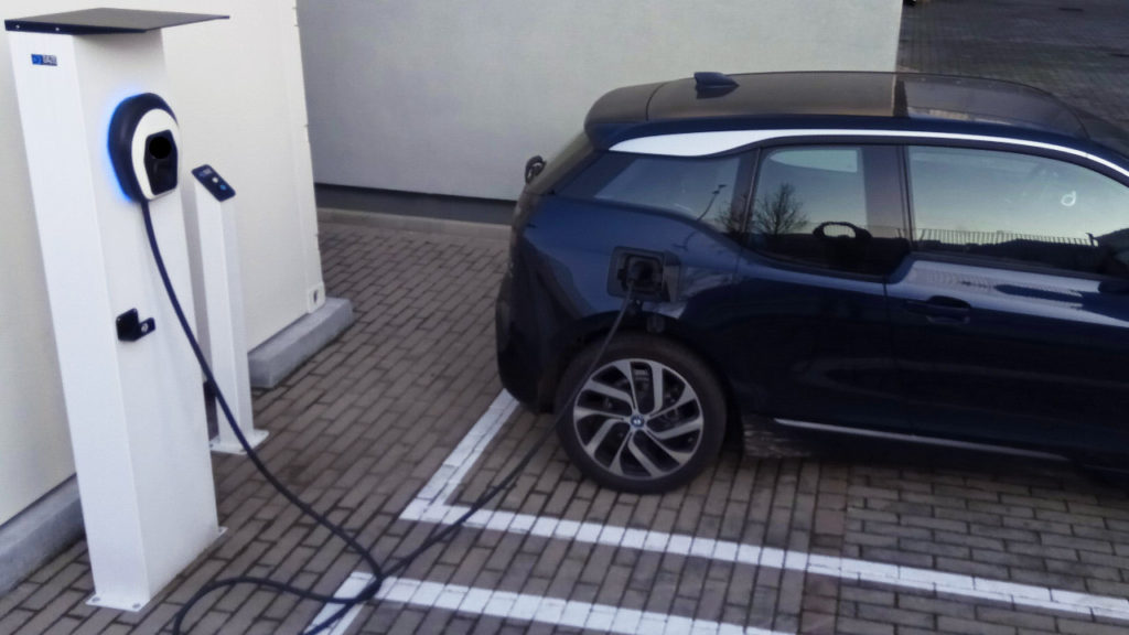 auto elettrica vehicle to grid
