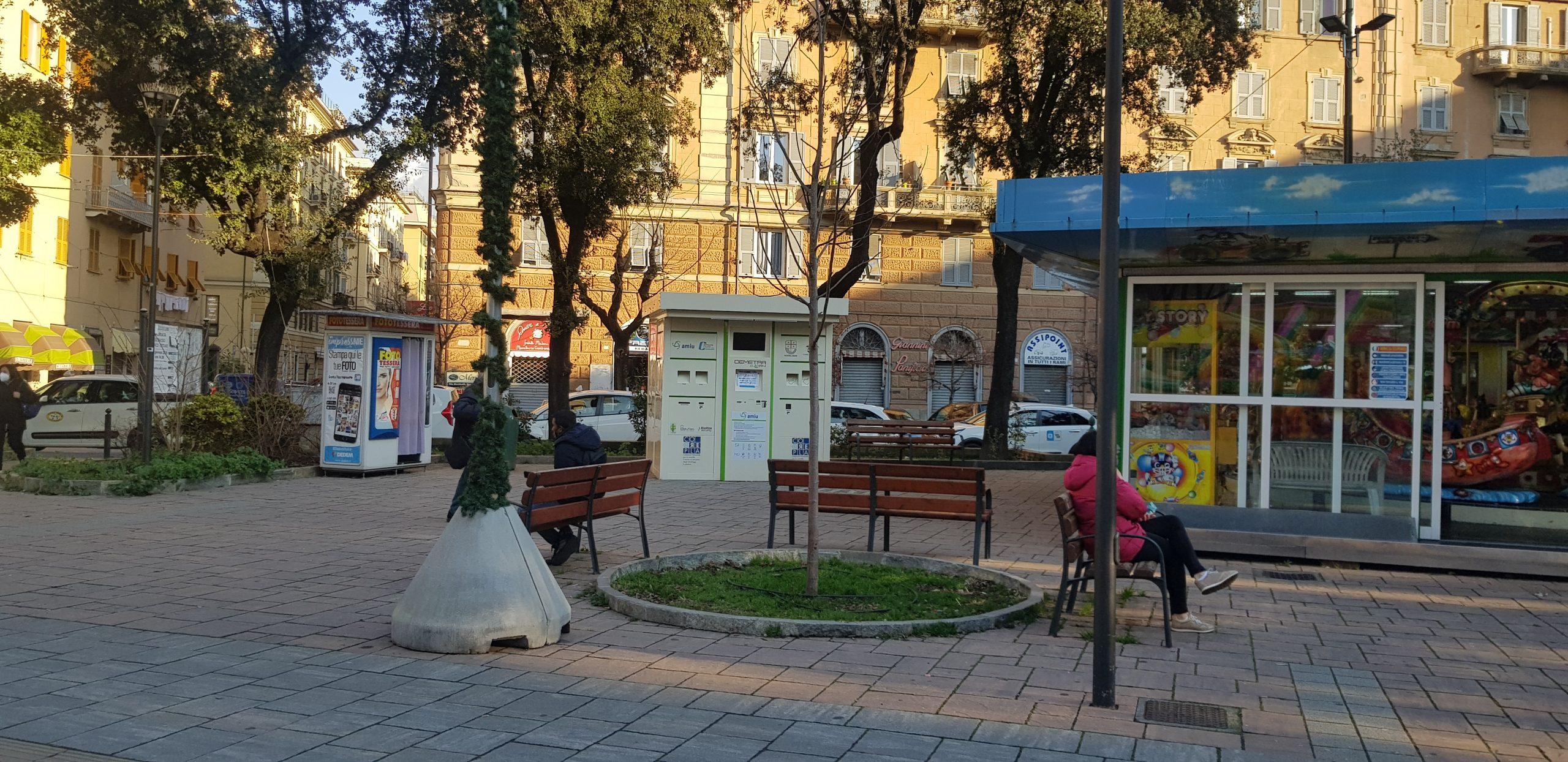 Piazza Martinez San Fruttuoso ECO COMPATTATORI Genova
