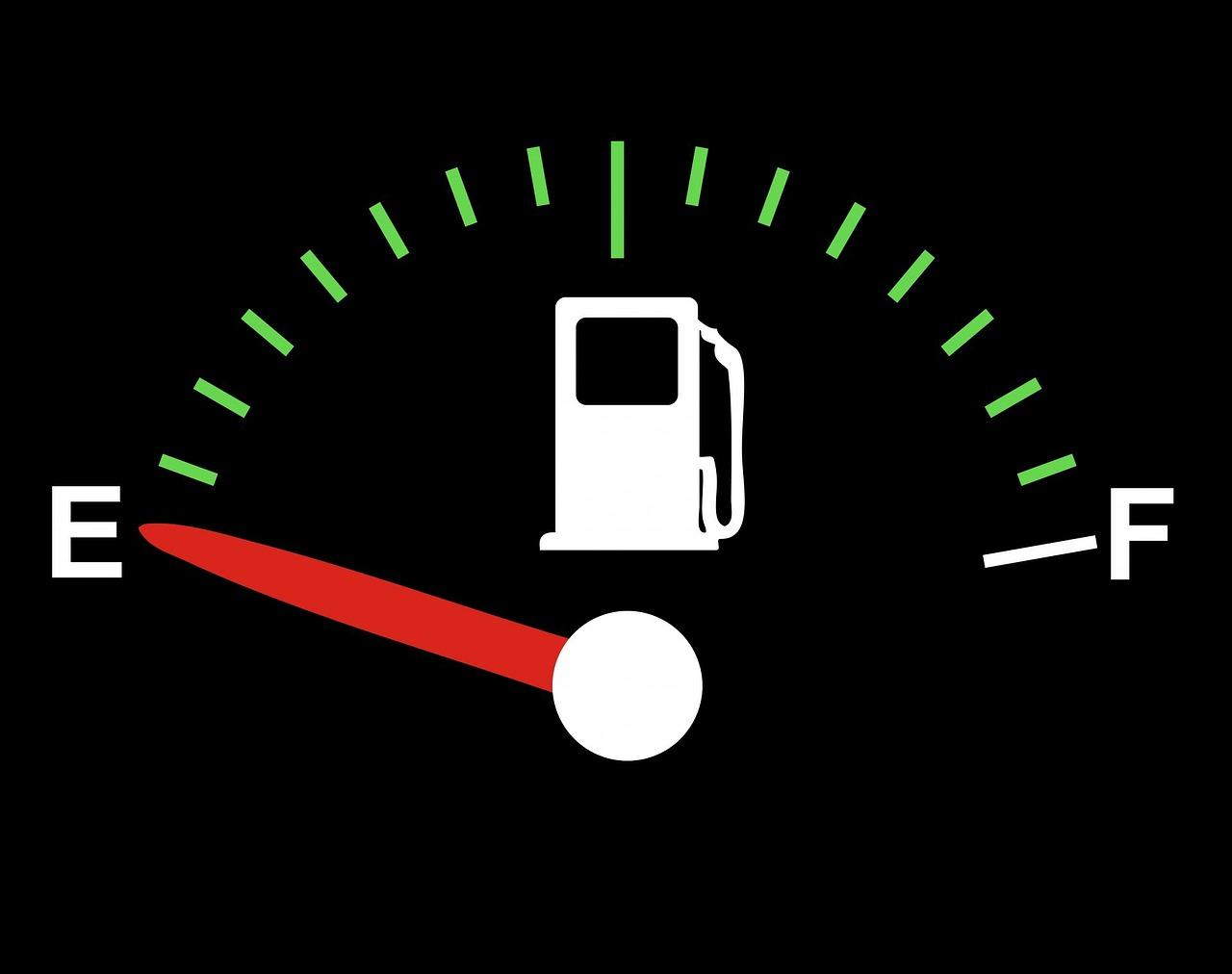 fuel-gauge e-fuels biocarburanti
