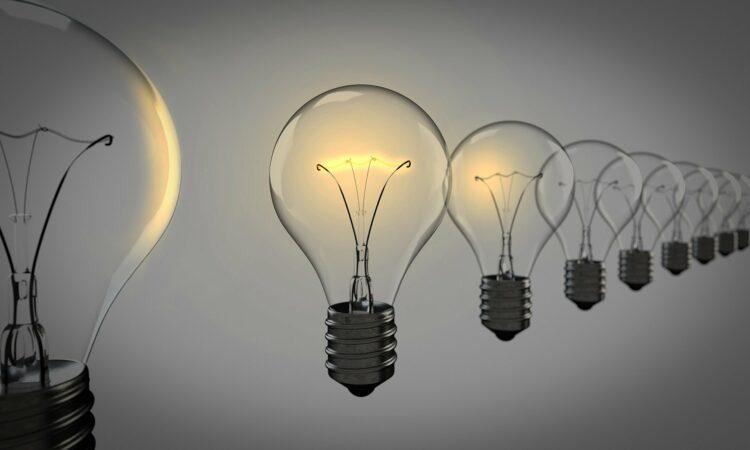 mercato retail energia consumatori