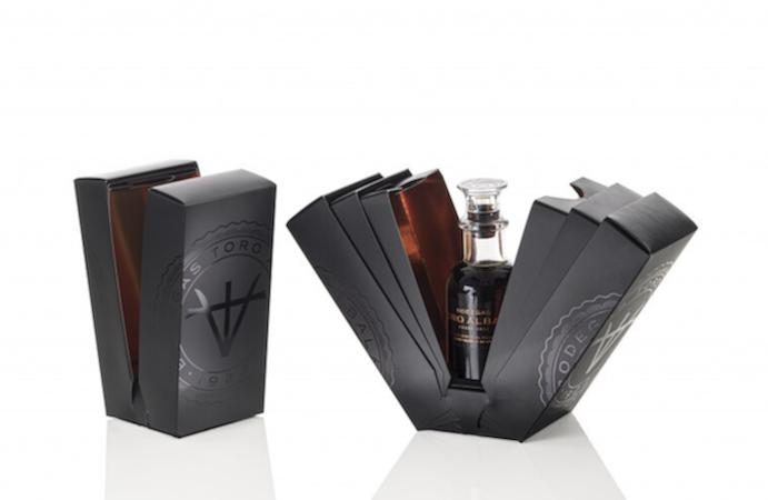 Vincitore 2021 Carton of the year Bodegas balsamic di Durero packaging